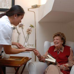 cuidador-de-personas-mayores